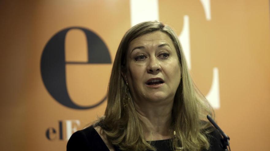 La consejera de Economía dice que Kronospan tiene previstas más inversiones en la región