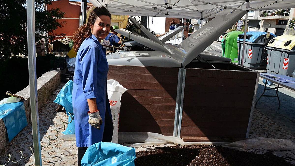 Uno de los composteros comunitarios en la calle Daniel Castelao de Moaña. |   // GONZALO NÚÑEZ