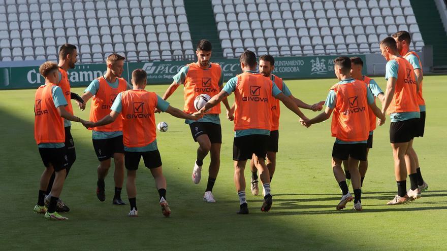 El Córdoba CF, sin Javi Flores y con Julio Iglesias en la lista para Coria