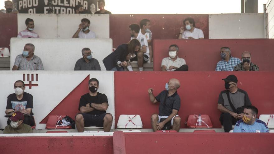 LaLiga anuncia que només es podrà entrar als estadis si es porta mascareta FFP2