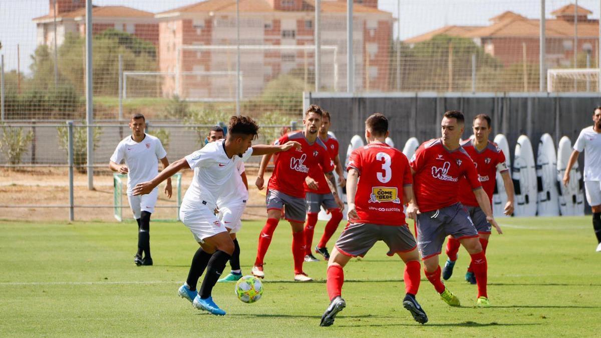 El Pozoblanco obtiene un punto de fortuna ante el Sevilla C