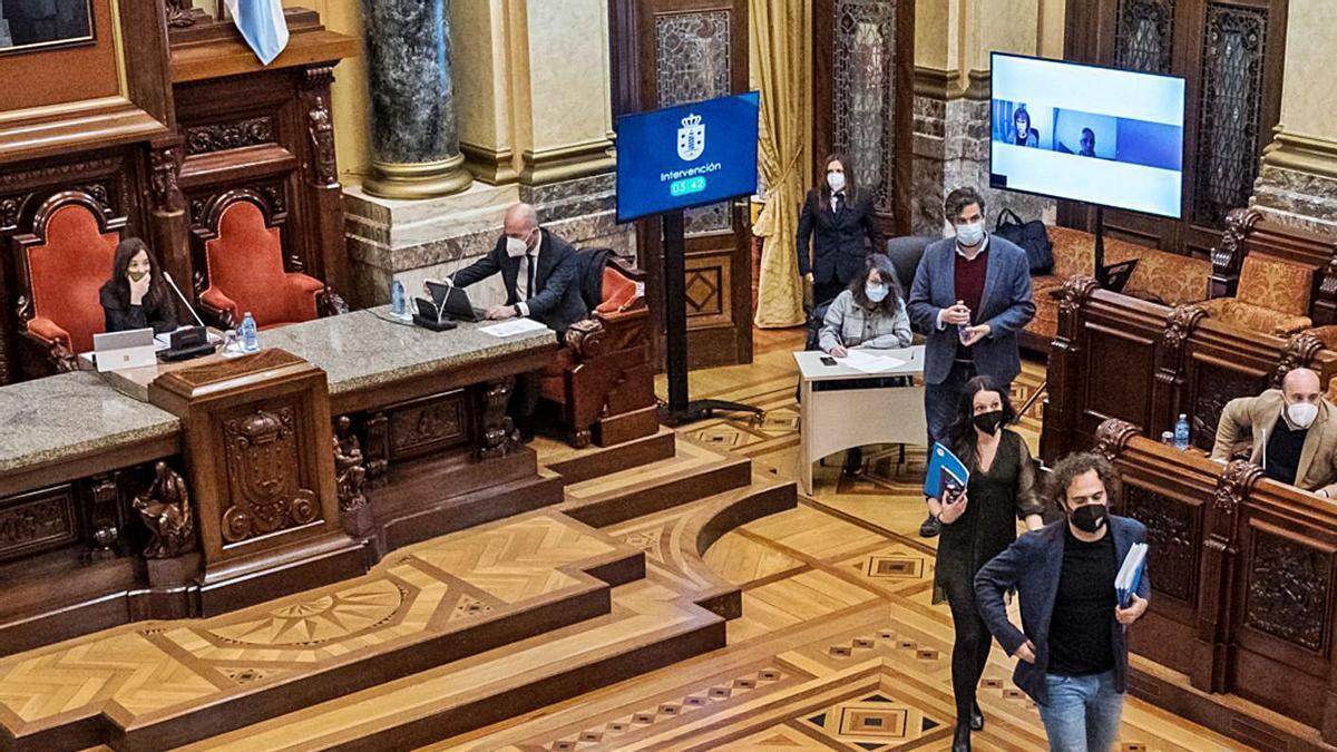 Marea se ausenta del pleno después de la decisión de la regidora.     // VÍCTOR ECHAVE