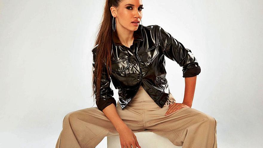 India Martínez descubre 'Palmeras' en formato íntimo en el Auditorio