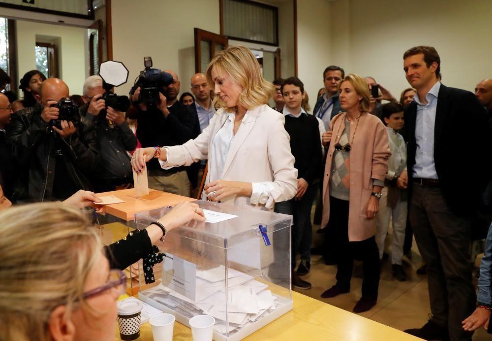 Pablo Casado ejerce su derecho al voto