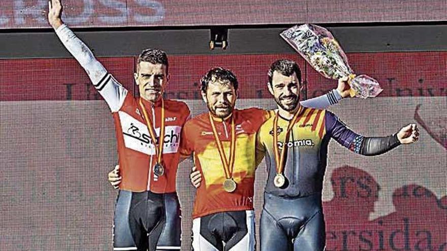 La junior Lucía Gómez revalida el título en el Nacional de ciclocross