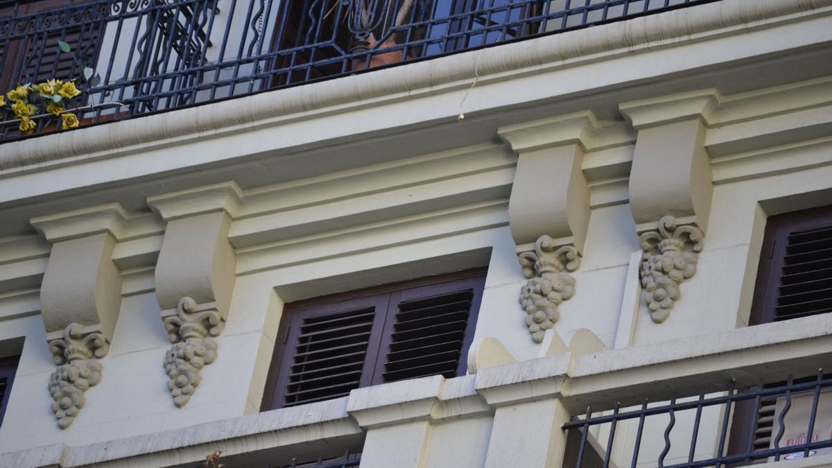 Detalle de un edificio del barrio del Ensanche de València