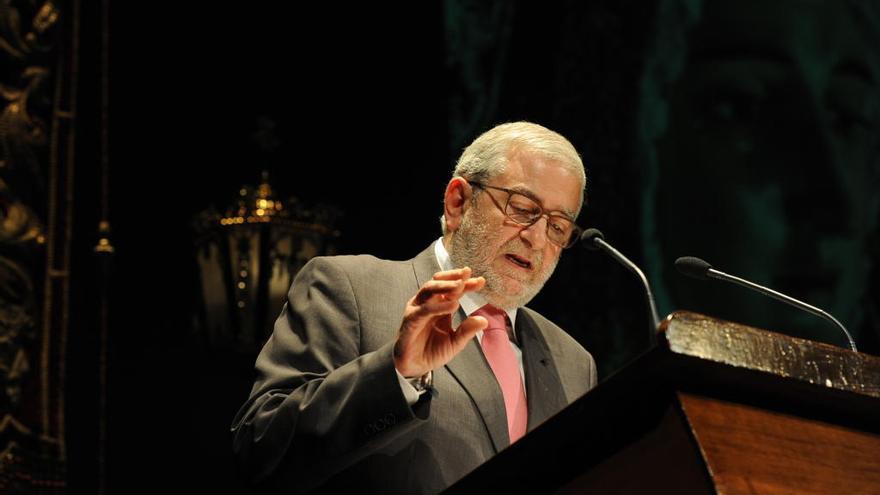 Alberto Castillo ahonda en la herida de Cs y anuncia que baraja la abstención