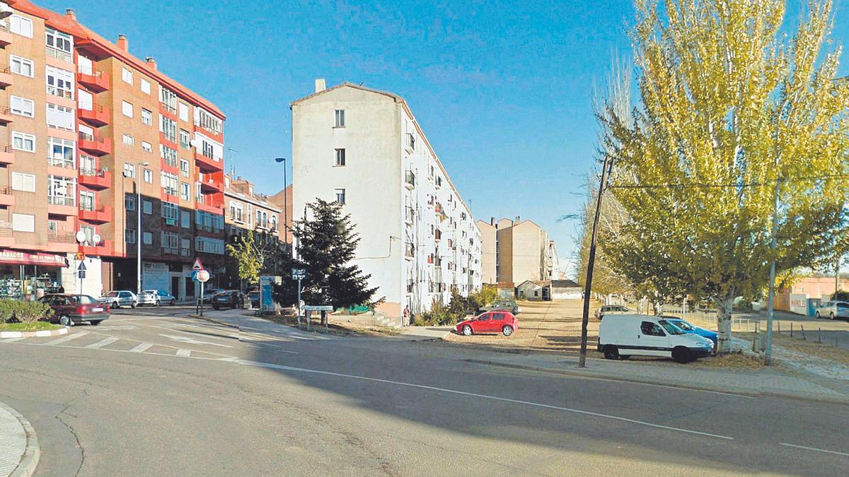 Solar, usado como aparcamiento, y objeto de la expropiación forzosa cuyo valor reclama la Comunidad de Madrid.