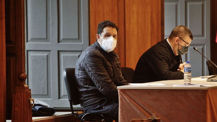 El testigo contra un policía de Vilagarcía acusado de soborno alega no recordar nada