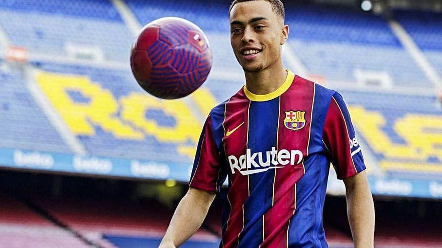 "Dest: ""Es un honor ser el primer estadounidense que juega en el Barça"""