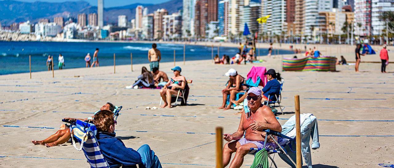 Benidorm es uno de los destinos favoritos para los usuarios de este plan de vacaciones, que agotan las plazas en cuestión de horas.   DAVID REVENGA