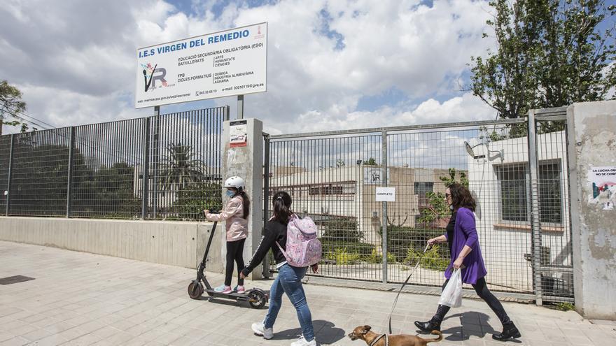 El PSOE de Alicante culpa a Barcala de que los alumnos de ciclos del IES Virgen del Remedio comiencen las clases en un restaurante