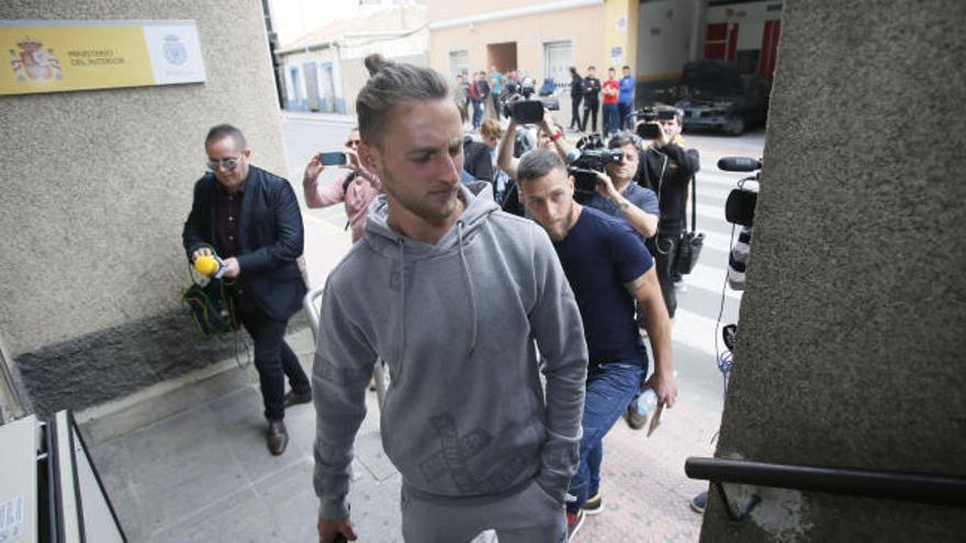 Cinco detenidos del Eldense por el amaño del 12-0
