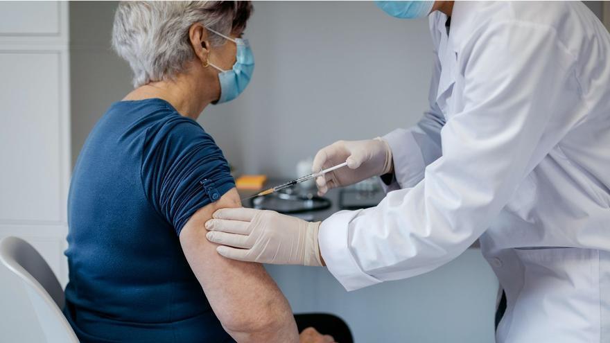 El PP exige a Villar que ofrezca zonas de vacunación en San Vicente