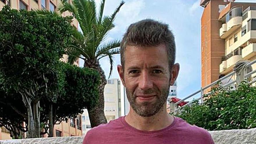 Alfons Miñana regresa a un Tavernes que ficha al interior Corbalán