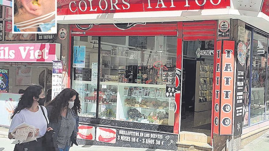 Cort ordena el cierre cautelar de las cabinas de piercings de Colors Tattoo