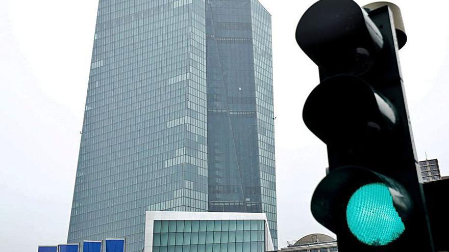 El BCE dona el vistiplau a la banca per repartir dividends