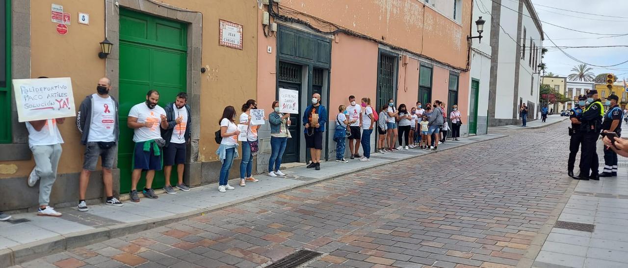 Trabajadores del Paco Artiles manifestándose en San Juan