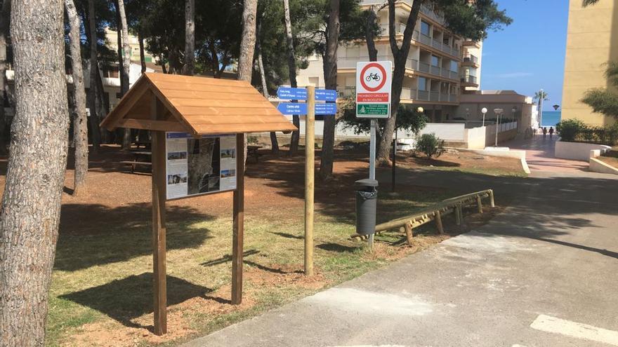 Orpesa instala un aparcabicis en el acceso de la vía verde