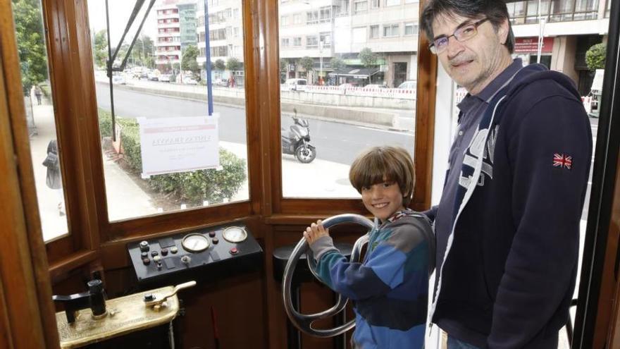 El tranvía aflora nostalgias en Coia
