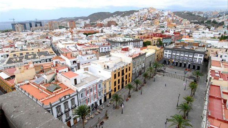 El Ayuntamiento reasfaltará más de una treintena de calles de 13 barrios de Las Palmas de Gran Canaria
