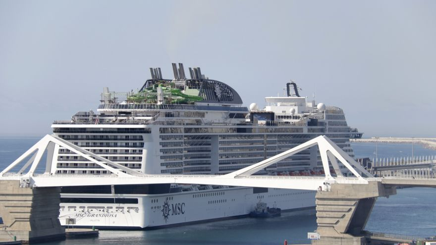 Arriba el primer creuer al Port de Barcelona des de l'inici de la pandèmia
