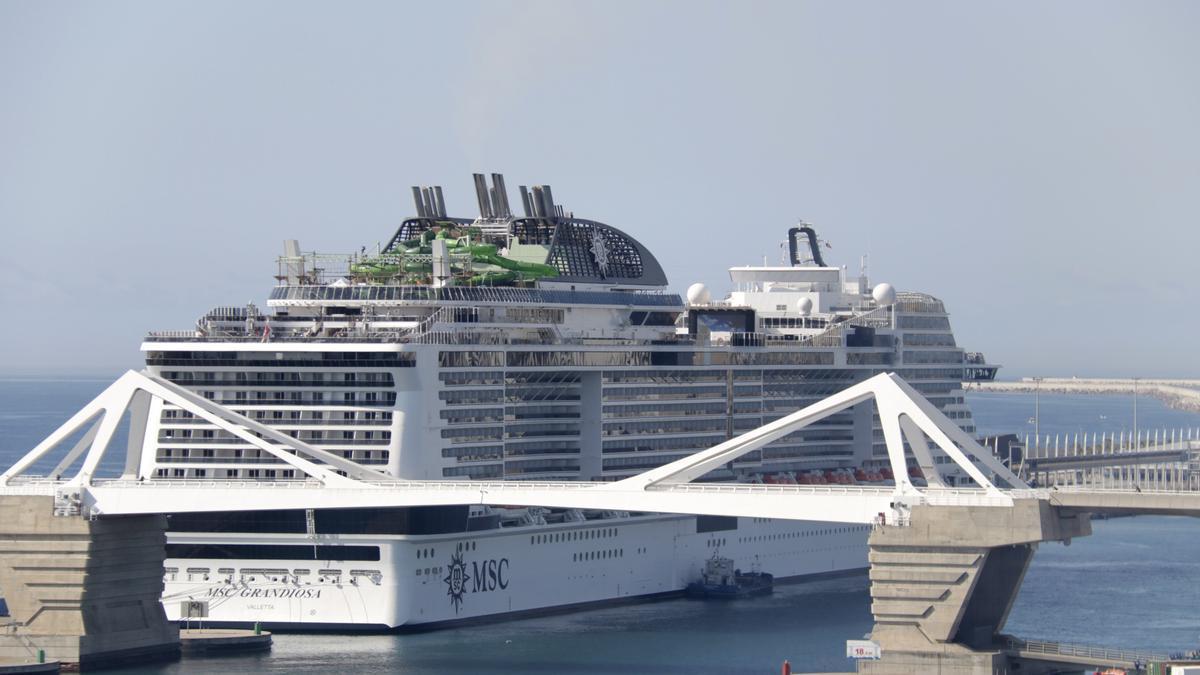 L'MSC Grandiosa el Port de Barcelona
