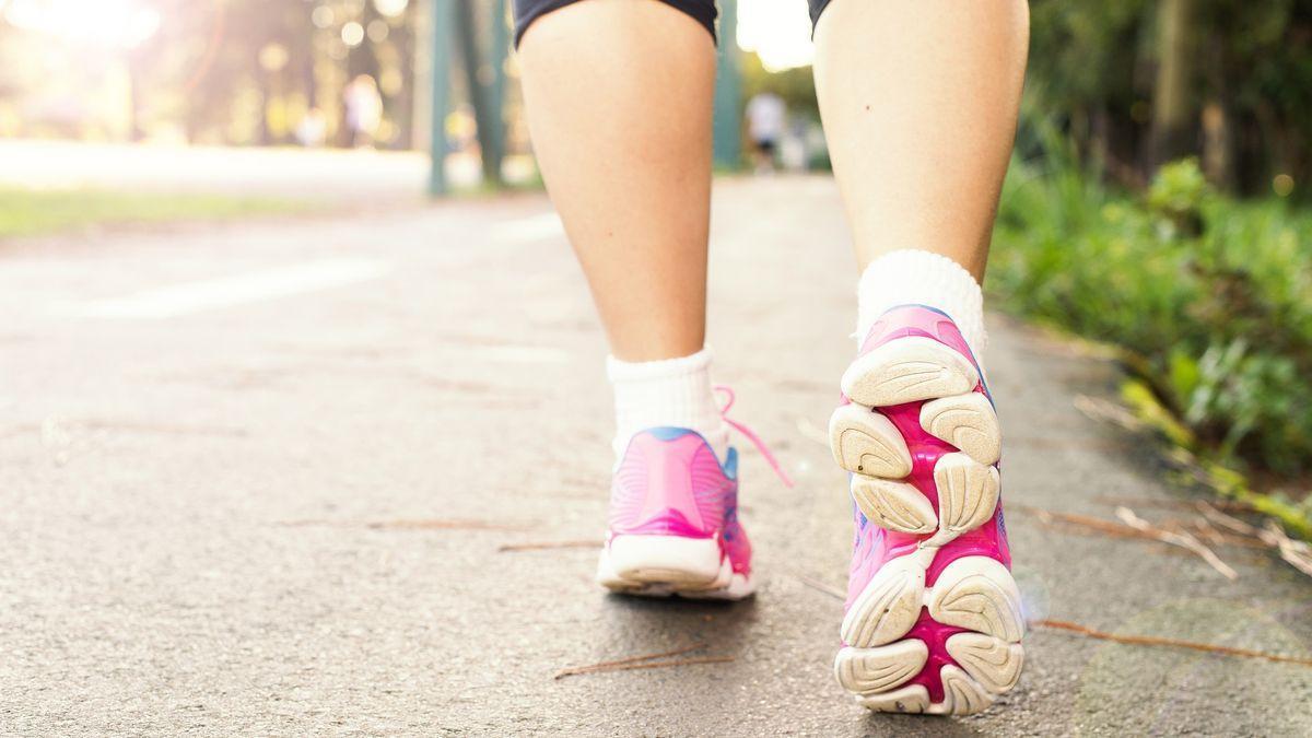 Cuánto debes caminar al día para adelgazar