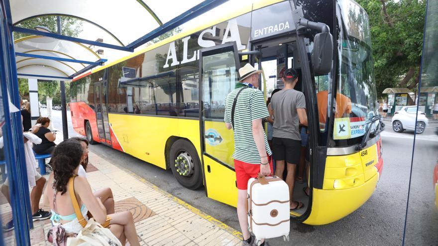El transporte público comenzará la temporada baja con los mismos servicios de autobús que 2019