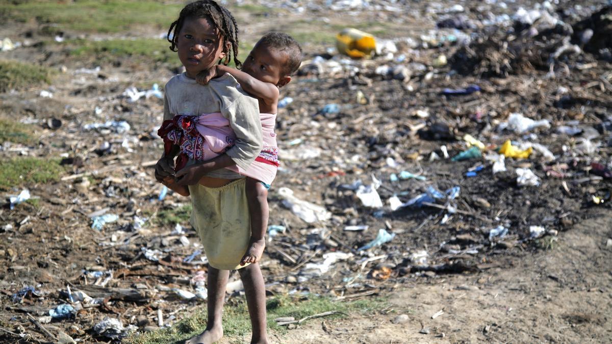 La pandemia de COVID-19 dispara la pobreza infantil y amenaza la salud, educación y nutrición de millones de niños en el mundo
