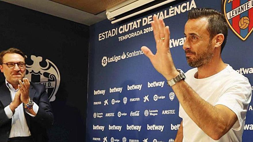 Pedro López prepara el camino para su regreso al Levante UD