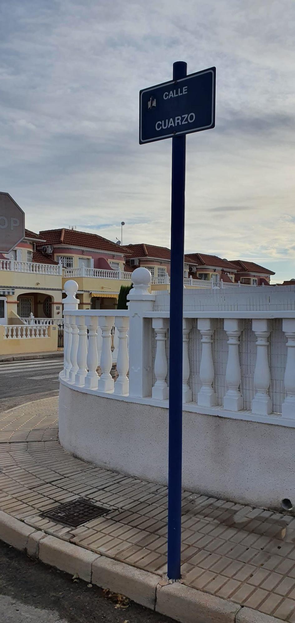 55 Villapiedra Poste calle Cuarzo.jpg