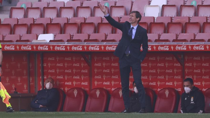 Ziganda, rey de derbis: el primer entrenador de la historia azul que vence en Liga dos veces en Gijón