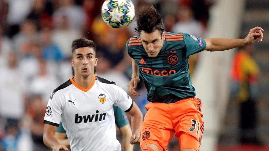 El Ajax avisa al Valencia