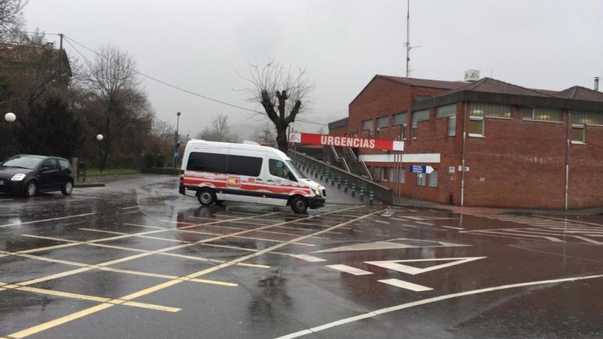 Temporal en Asturias: El hospital de Arriondas, desalojado por las inundaciones