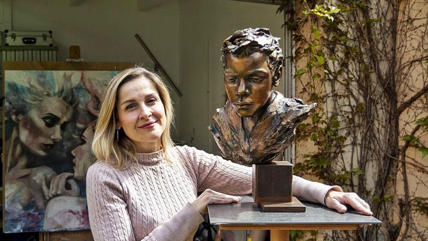 Esther Martínez materialitza noves emocions a través de l'escultura