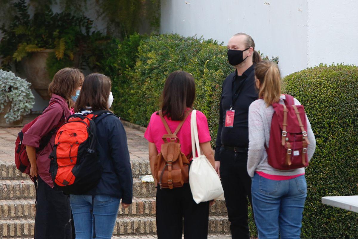 Tom de Houwer con los preparativos de su obra en el Palacio de Viana