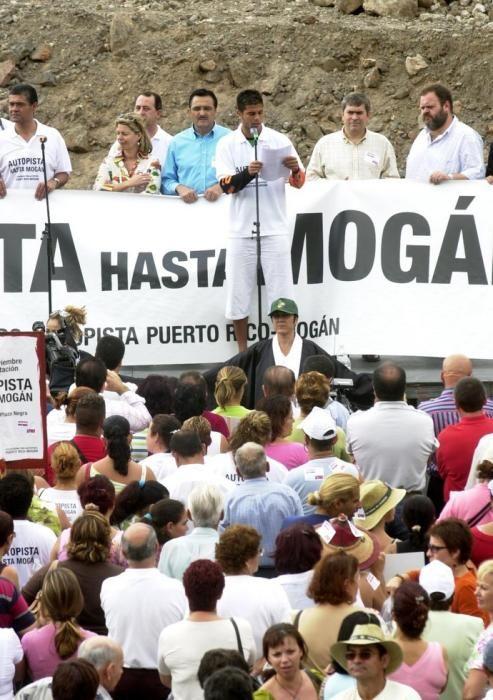 MANIFESTACIÓN DE LA AUTOPISTA PUERTO RICO- MOGÁN