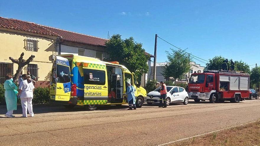 Un hombre herido al hundirse el desván de una casa en Ferreras de Abajo