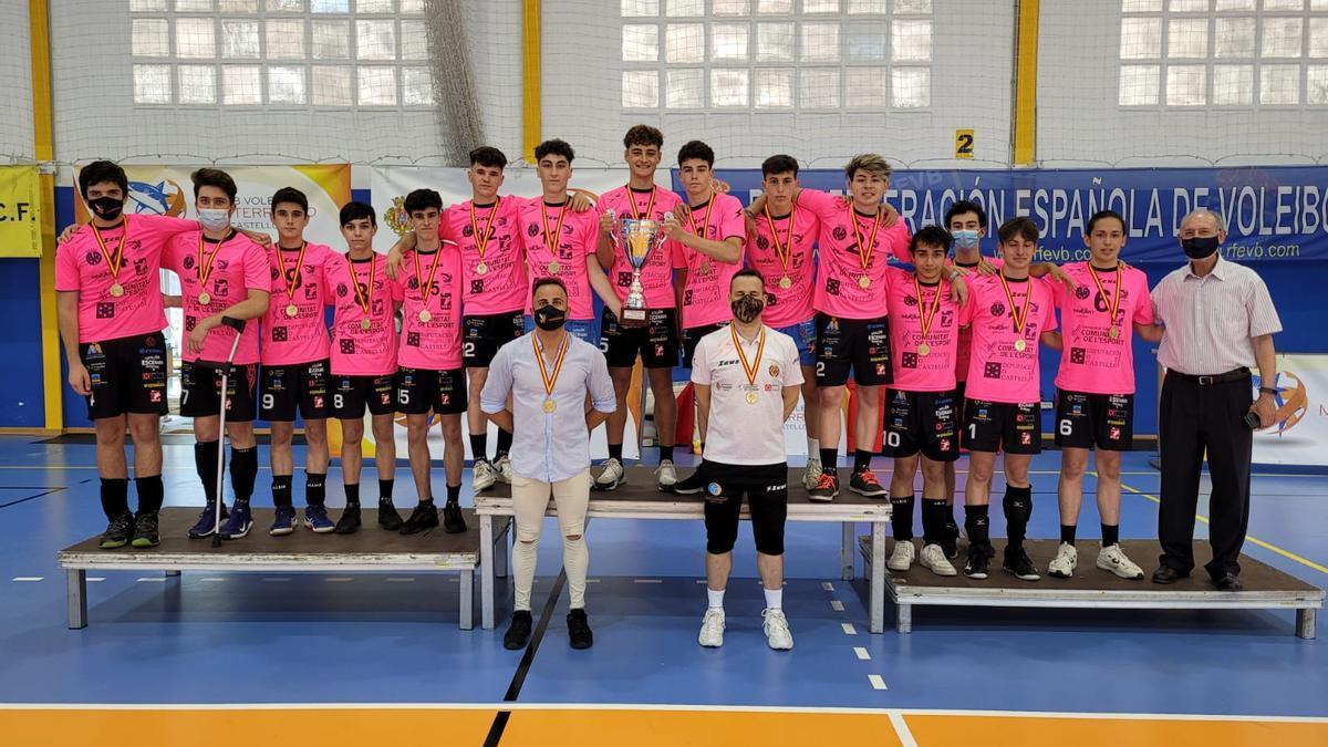El equipo cadete del CV Mediterráneo, campeón de España 2021.