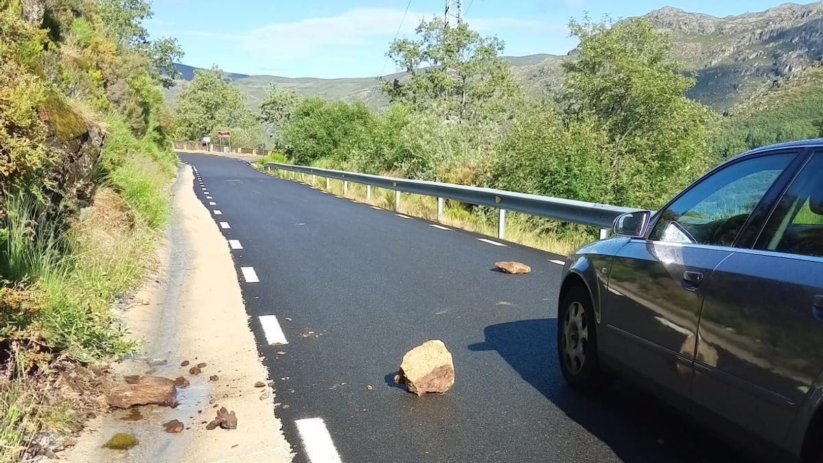 Desprendimientos en la carretera de Porto de Sanabria