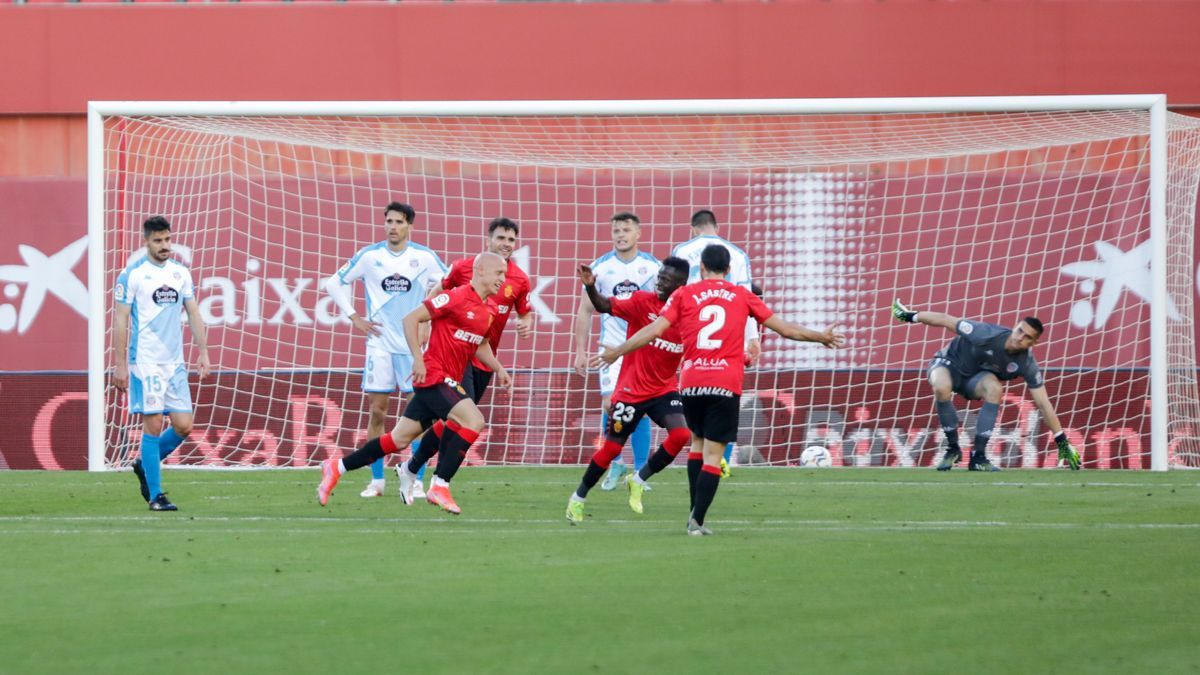 Mollejo celebra el segundo tanto del partido.
