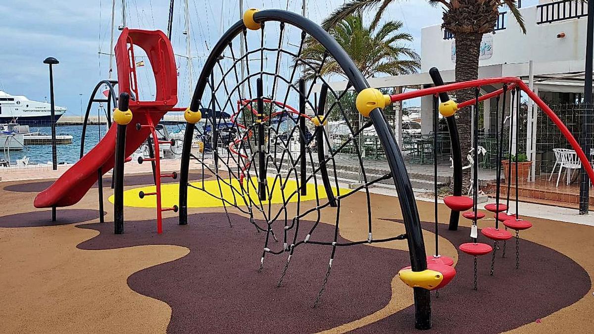 Juegos del nuevo parque infantil de la Savina