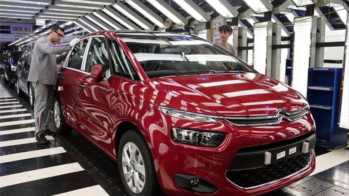 Las plantas automovilísticas españolas produjeron un 17,3% menos en febrero