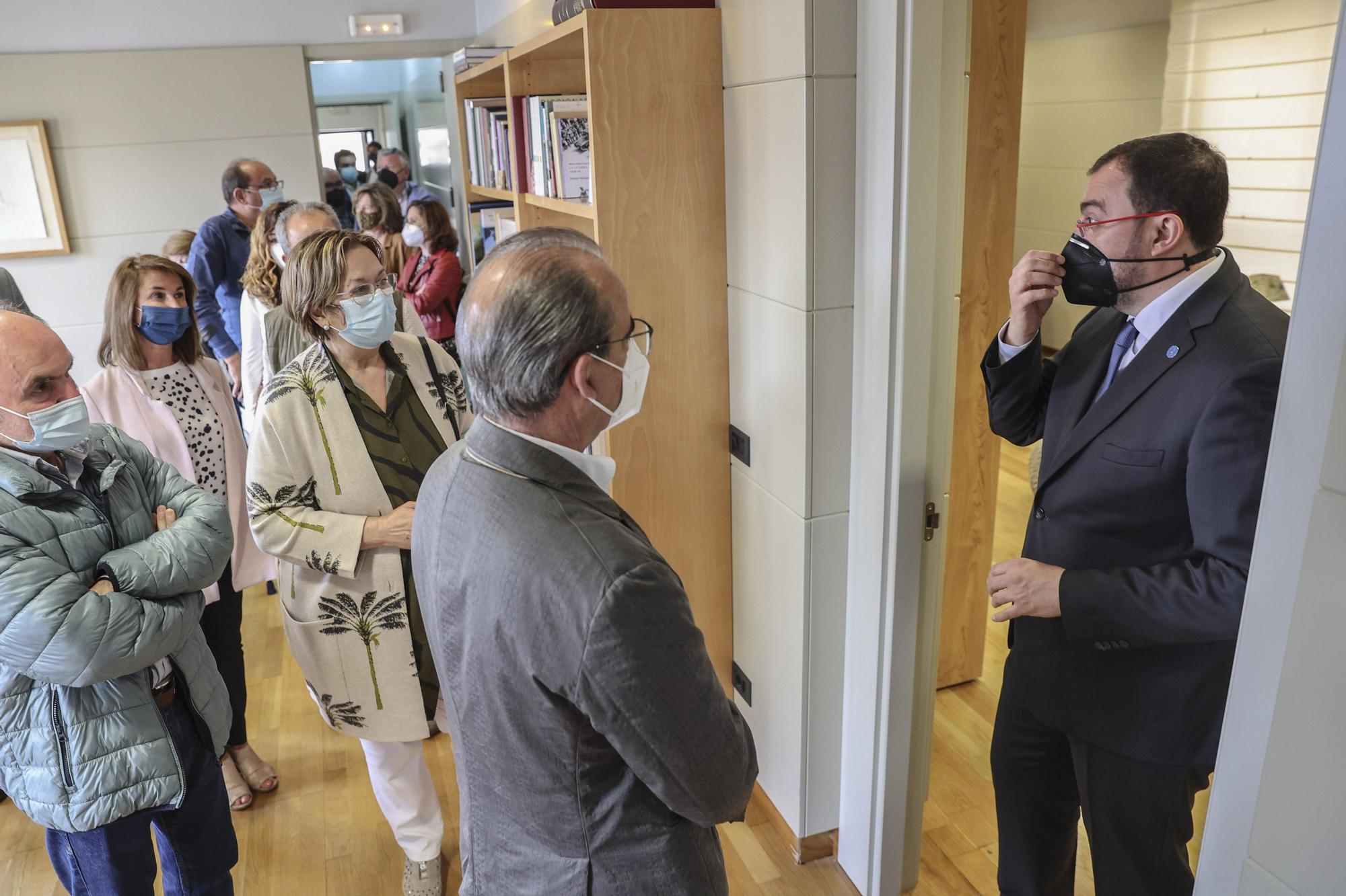 """Así fue la visita guiada por Barbón a """"la casa"""" presidencial para los lectores de LA NUEVA ESPAÑA"""