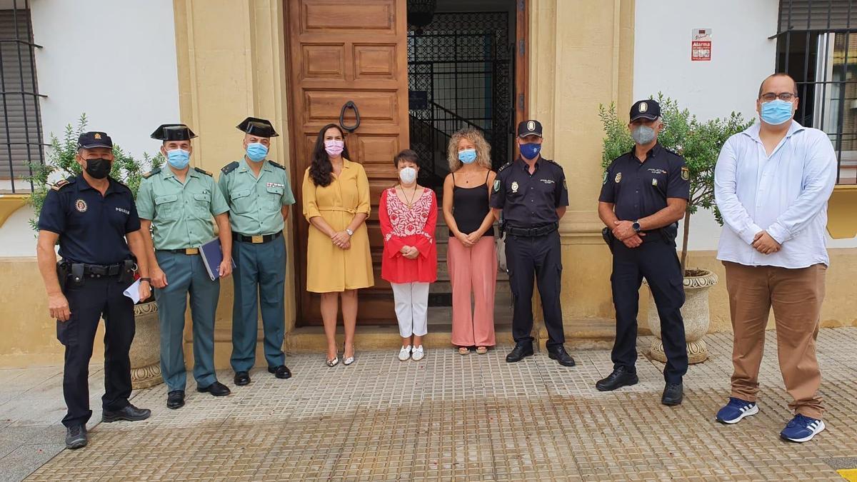 Asistentes a la Junta Local de Seguridad de El Carpio.