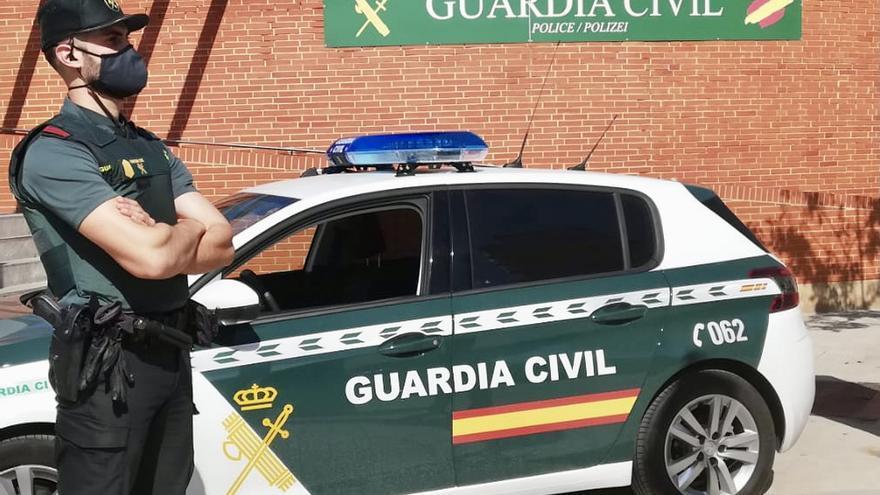 Un ladrón sufre un grave corte en una mano al romper un cristal de un restaurante en Calvià