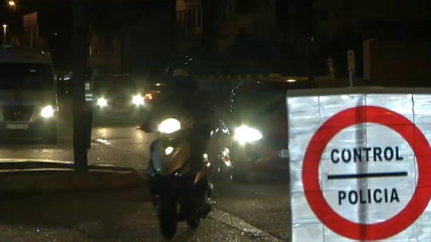 Así son los controles de la Policía Local de Avilés tras el toque de queda en Asturias