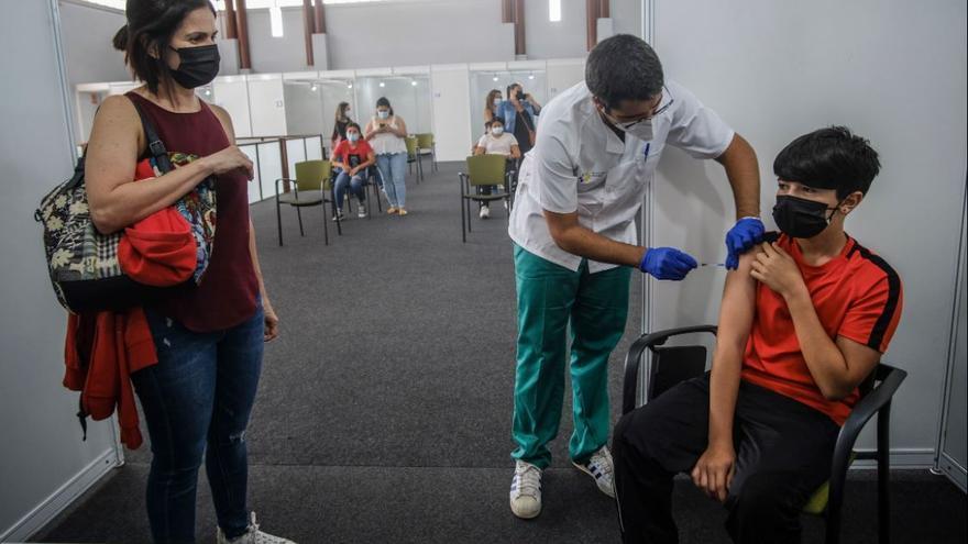 Vacunación contra la covid sin cita previa para los mayores de 12 años residentes en todas las islas