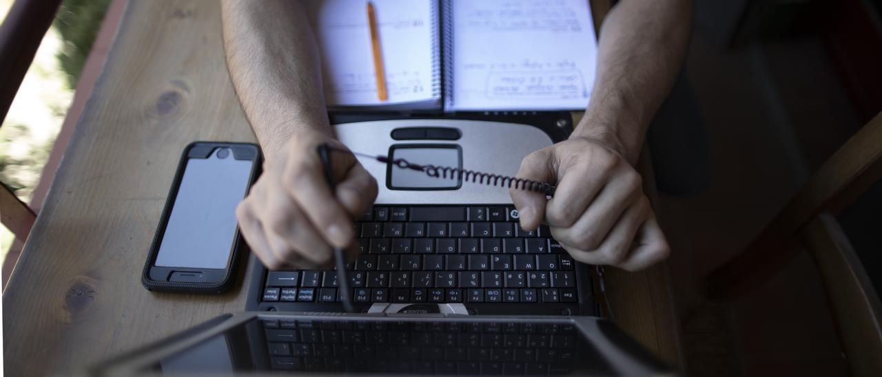 Economía.- El 80% de los trabajadores prefiere la oficina al teletrabajo al menos tres días por semana, según CBRE